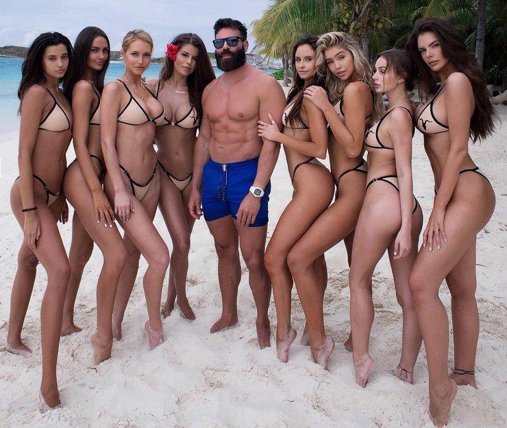 Ignite Models mit Dan Bilzerian am Strand